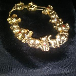 Very cute vintage Avon cat bracelet